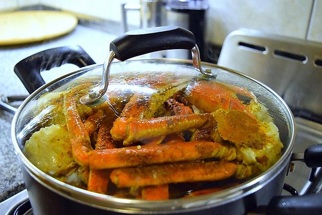 Fingerlicking: 3 Ingredient Crab Legs