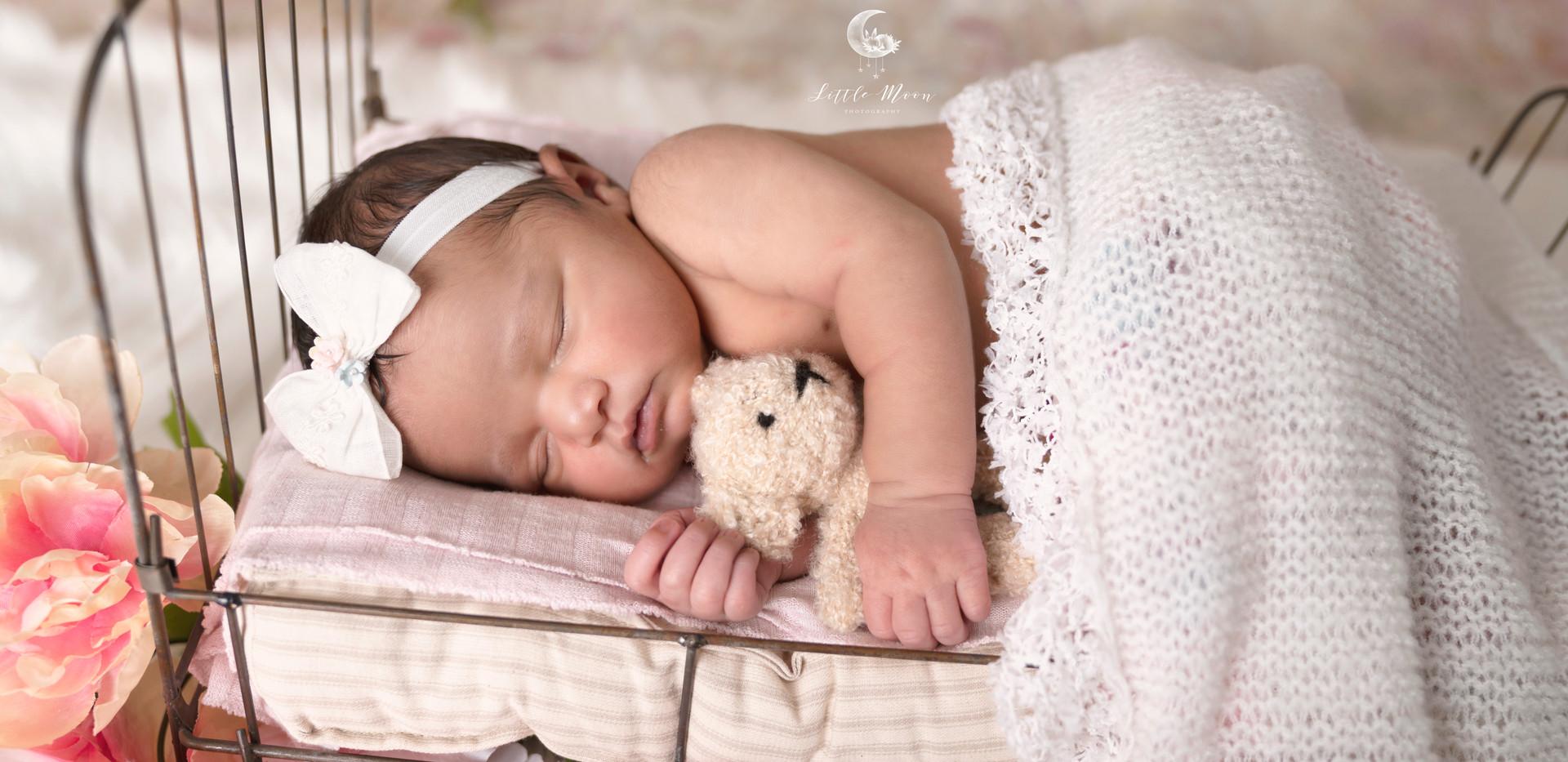 LOGOCelina Newborn2019_3.jpg