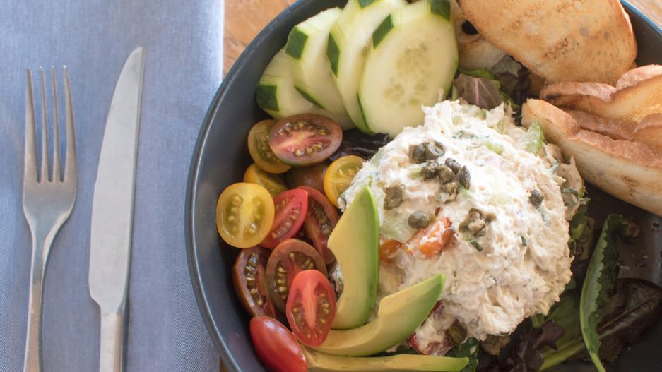 Tomato Chicken Basil Salad