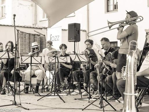 Jaunas džiazas: Jaunimo džiazo orkestras