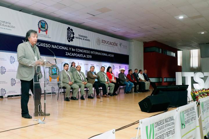 Si no se frena la depredación del medio ambiente, en 20 años el mundo perderá ecosistemas que provocarán una grave crisis de vida en el planeta, advierte Fausto Méndez, presidente de la Asociación para la Investigación y Conservación de Anfibios y Reptiles (AICAR)