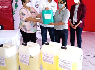 CEASPUE entrega insumos para la desinfección efectiva del agua en Ayotoxco