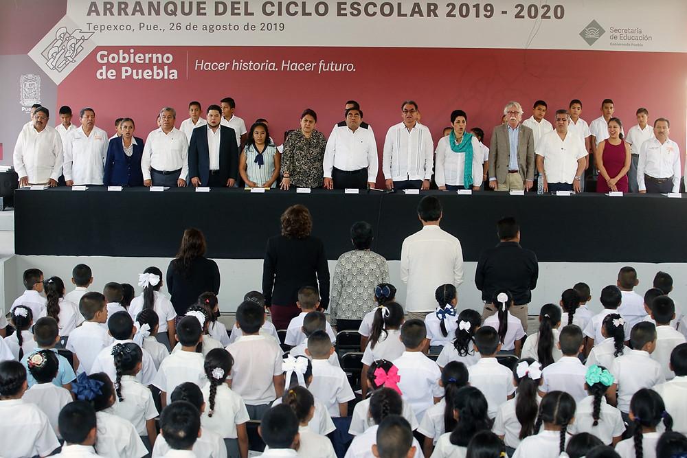 El gobernador Miguel Barbosa anunció programa de recuperación de escuelas afectadas por el 19S