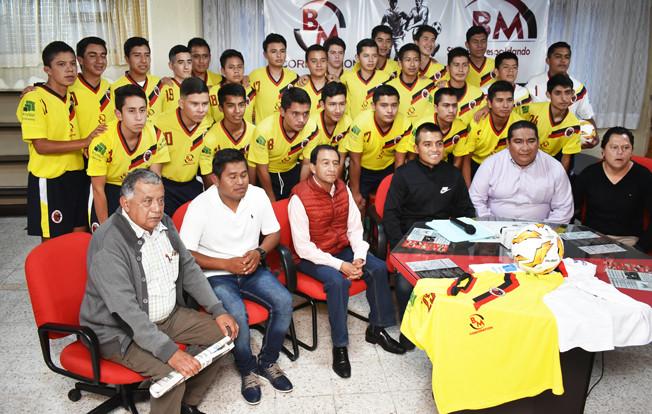 El Club San Felipe de Tlatlauquitepec, inició su participación en la tercera división premier de la liga profesional de futbol soccer México Molten