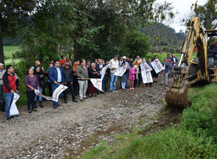 Con nueva red eléctrica, Carlos Herrera cumple compromisos de campaña en Cala Sur