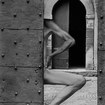 castello-tancredi-gate-bibbiano-italy