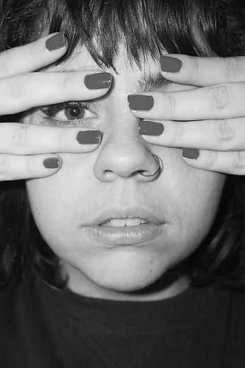 Larissa - retrato_edited.jpg