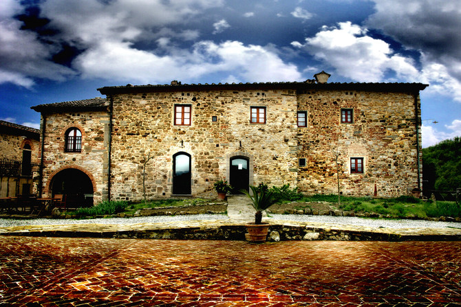 A Tuscan Wedding In A Tuscan Farmhouse......
