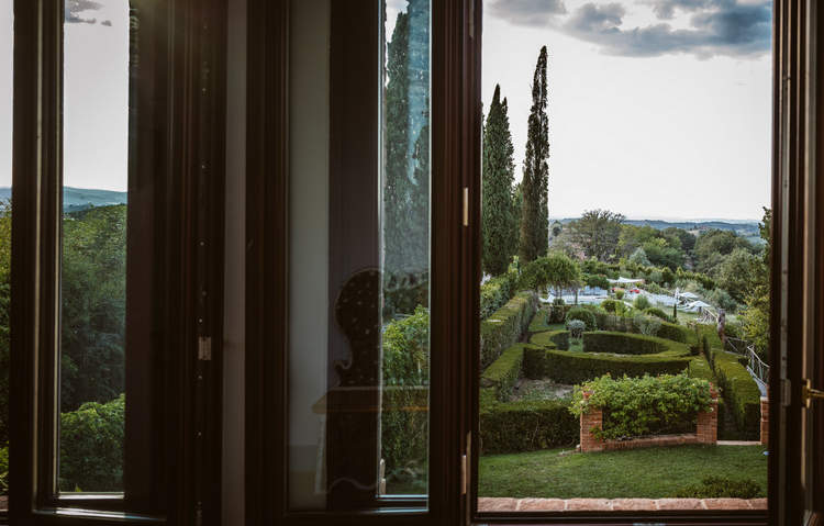 Tuscan Villa (17).jpg