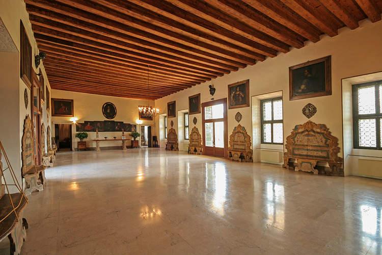 Venetian Villa (2).jpg