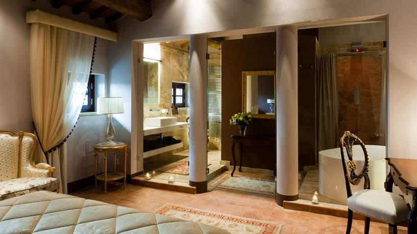 Tuscan Hotel Villa (15).jpg