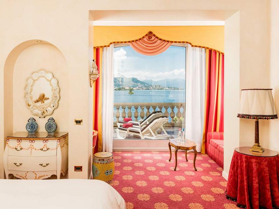junior-suite-vista-lago01-gallery.jpg