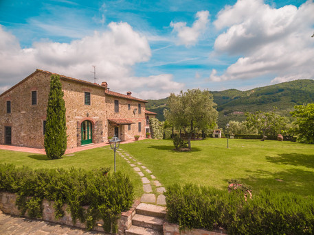 Tuscan Villa2.jpg