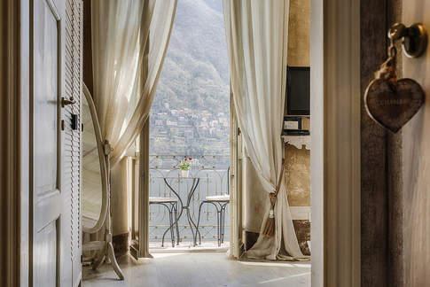 Boutique Wedding On Lake Como (17).jpg