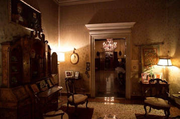 A palazzo in venice (9).jpg