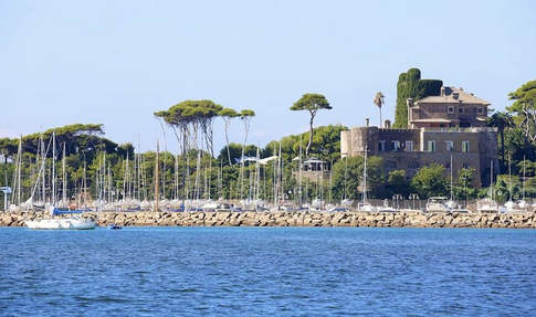 Castle Rome Coast (3).jpg
