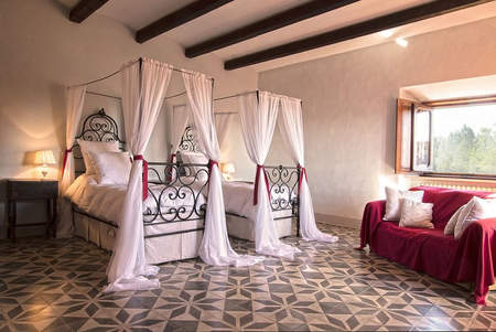 Tuscan Villa With Twist (11).jpg