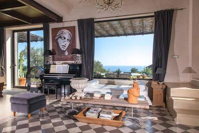 Contemporary Sicily Villa  (7).jpg