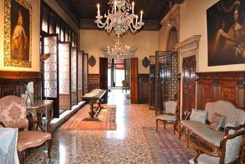 A palazzo in venice (8).jpg