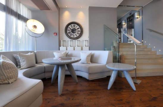 Pesaro Hotel (9).jpg