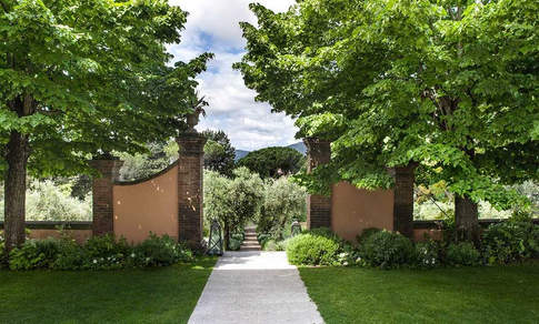 luxury resort tuscany (1).jpg