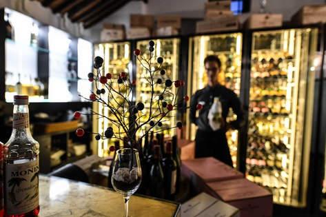 Wine Bar Porto Cervo (14).jpg