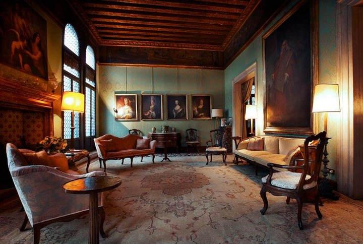 A palazzo in venice (7).jpg