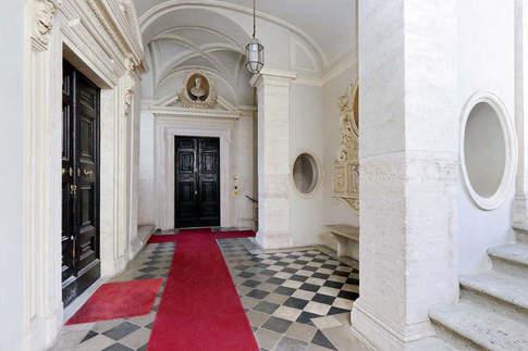 Rome Apartment (10).jpg