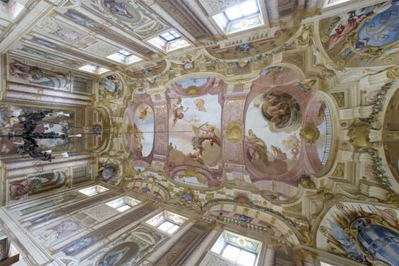 Venetian Villa (1).jpg