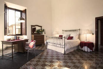 Tuscan Villa With Twist (6).jpg