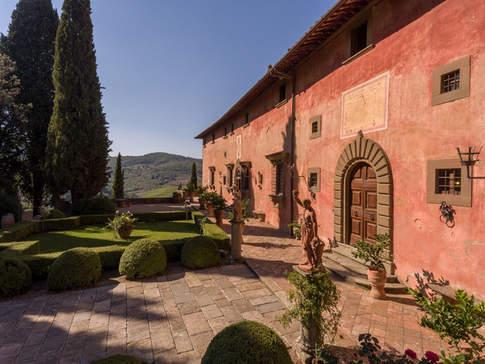 Tuscan Country House (5).jpg