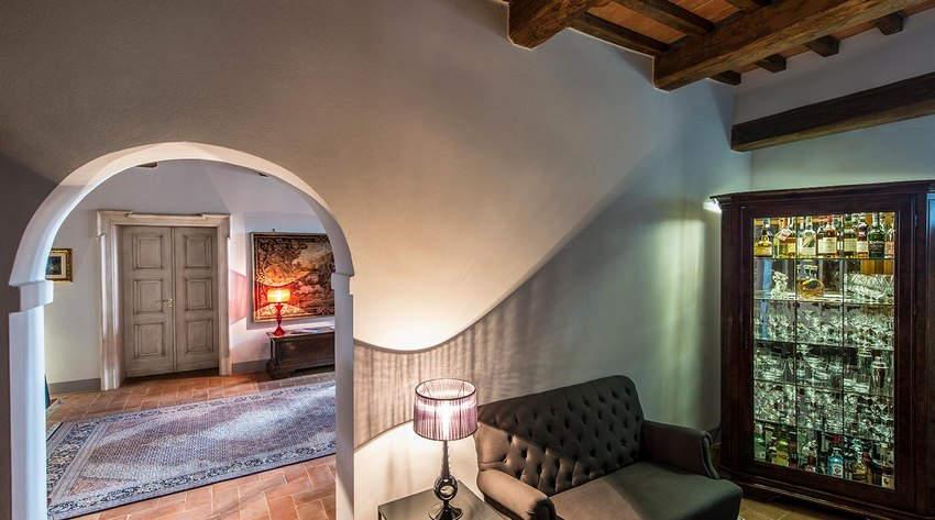 Tuscan Hotel Villa (21).jpg