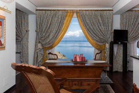 Taormina villa (18).jpg
