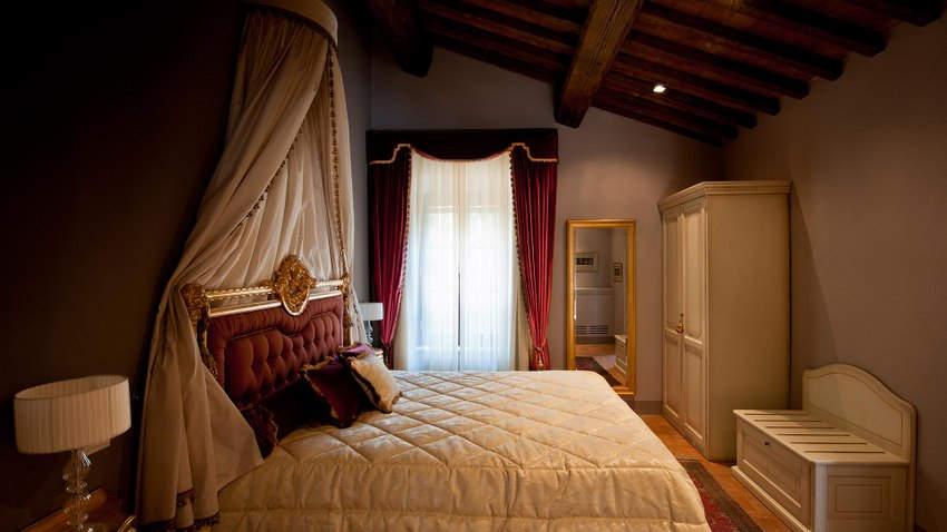 Tuscan Hotel Villa (16).jpg