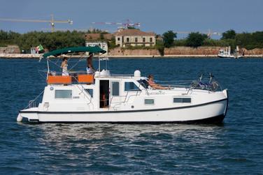 CharterBoat (16).jpg