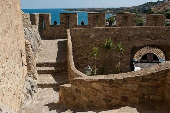Calabria Castle (2).jpg
