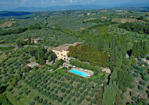 In the Heart of the Tuscan Countryside