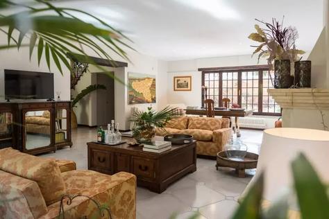 Mondello Villa (8).jpg