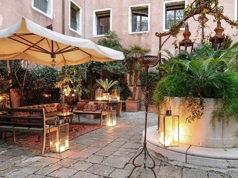 Venice Hotel Wedding (10).jpg