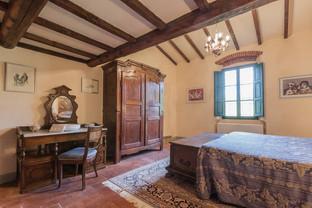 Tuscan Villa18.jpg