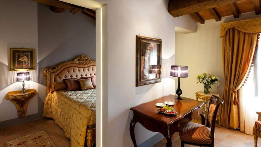 Tuscan Hotel Villa (11).jpg