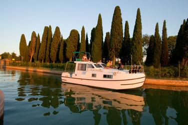 CharterBoat (9).jpg