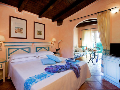 hotel sardinia (2).jpg
