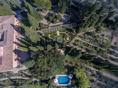 Tuscan Country House (10).jpg