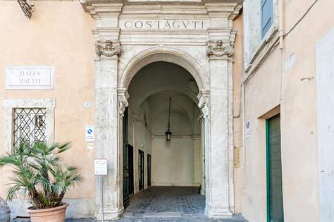 Rome Apartment (16).jpg