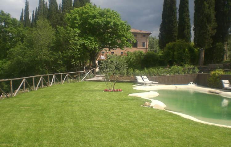 Tuscan Villa (5).JPG