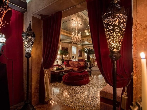 Venice Hotel Wedding (4).jpg