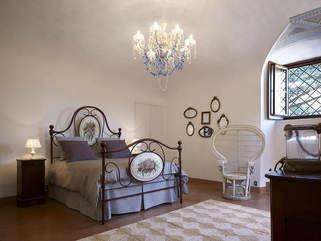 Tuscan Villa With Twist (1).jpg