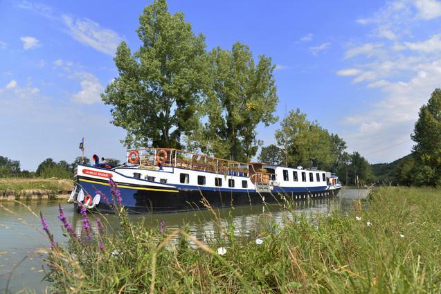 river cruise (5).jpg
