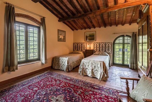 Tuscan Villa15.jpg